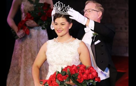 Isabella Marez as Rose Queen
