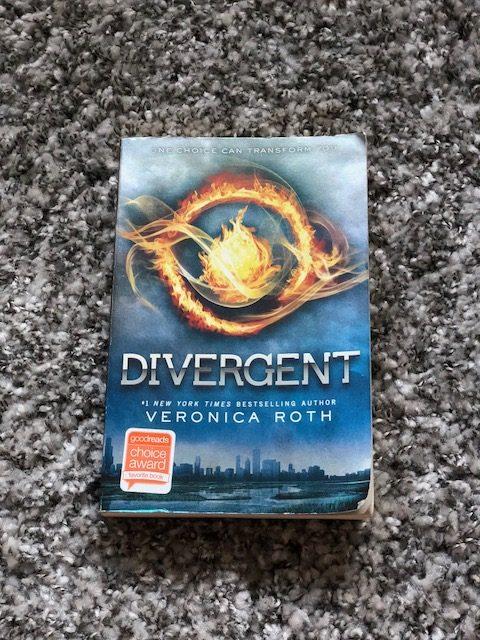 Divergent+-+6th-8th+Reader%27s+Corner